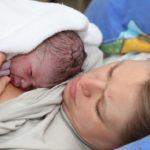 Governo torna obrigatório estímulo ao parto humanizado