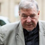 Papa confirma proibição do ministério episcopal do Cardeal Pell