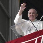 O Papa no Angelus: nas tempestades da vida Deus estende sempre a sua mão
